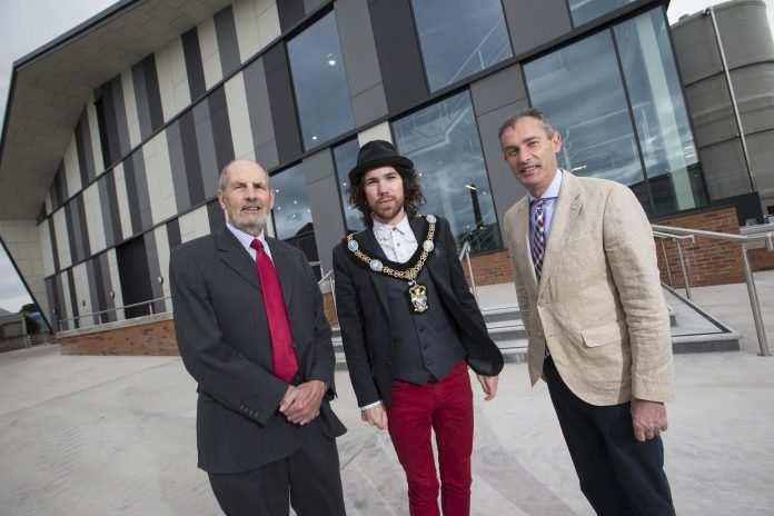 Lord Mayor Congratulates Ulster Carpets On Uae Deal