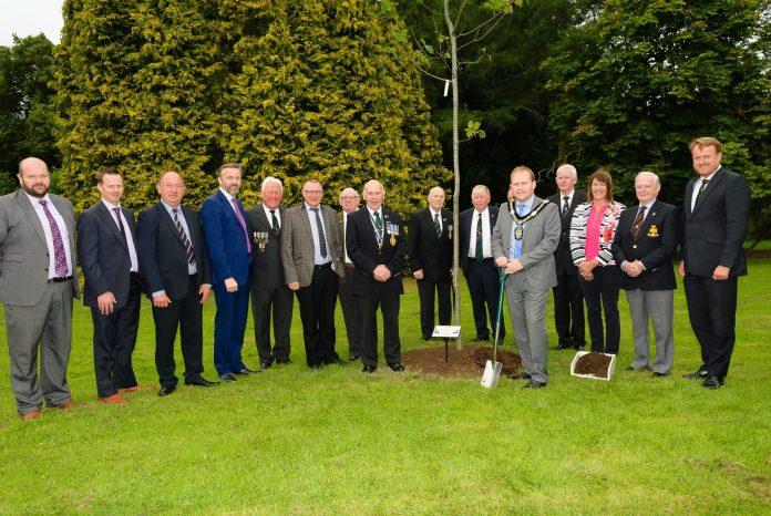 Lord Mayor Plants Messines Ridge tree 1