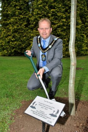 Lord Mayor Plants Messines Ridge tree 3