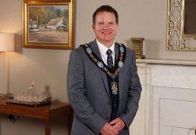 Lord Mayor Glenn Barr